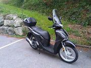 Motorrad Roller Honda SH125AD