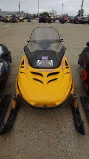 Ski-Doo MXZ 583 Motorschlitten