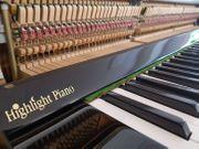 Sensationelles akustisches Klavier mit SILENT