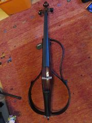 Yamaha E-Cello SVC 110