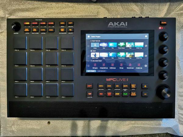 AKAI MPC Live II 1