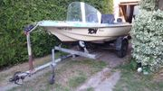 Motorboot mit Trailer