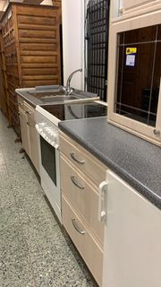 Küchenzeile mit Geräten - 3 m -