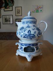 Teekanne mit Stövchen Zwiebelmuster