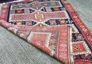 Alter kaukasischer Teppich