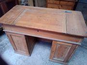 Historischer Schreibtisch