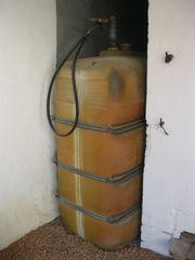 Verschenke Öltank Fassungsvermögen 2000 Liter