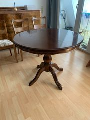 Tisch aus Kirschholz und 3