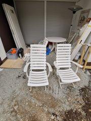 Gartentisch rund mit vier Stühlen