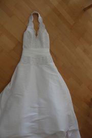 Wunderschönes Brautkleid mit Spitze
