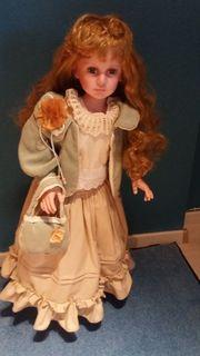 Puppen und Puppenbekleidung