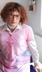 Crossdresser Putzsklavin sucht Anstellung