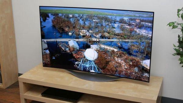 Verkaufe neuwertigen 55-Zoll-OLED-TV