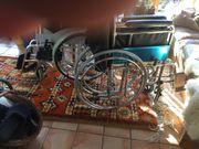 2 Rollstühle
