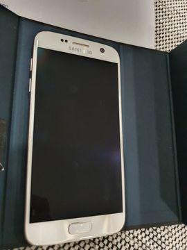 Samsung Handy - Galaxy Samsung S7 - gerade erst
