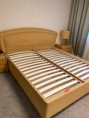Französisches Doppelbett mit Bettkasten