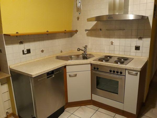 Einbauküche mit EckspüleEinbauküche mit Eckspüle
