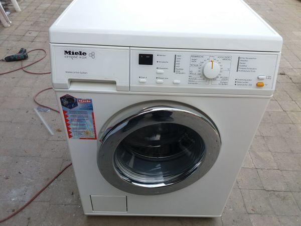 Miele W 2241 WPS LOWS Waschmaschine / AAB / 5kg / 1400 ...
