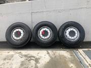 Neue LKW Reifen