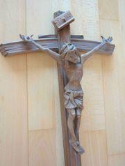 Holzkreuz mit Jesus dran Höhe