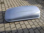 Silbergraue Dachbox