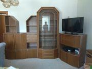 Wohnzimmer- und Jugendzimmermöbel