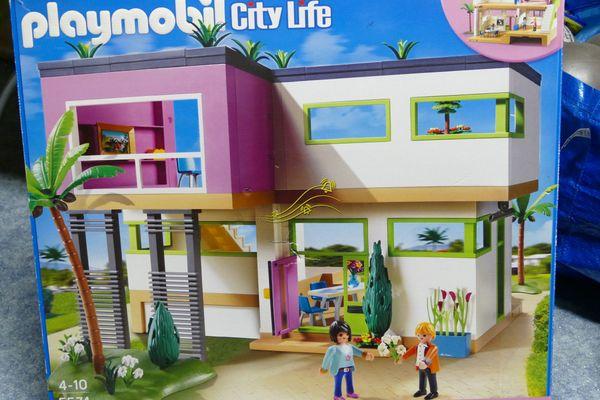 Playmobil Luxusvilla (City Life, 5574) + Küche (5582) in ...