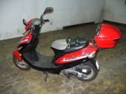 Ein gut erhaltener unfallfreier Motorroller
