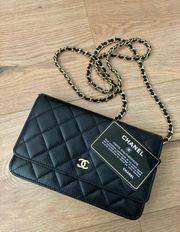 Chanel kleine Tasche schwarzes Leder