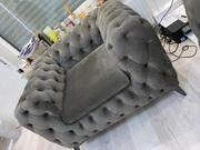 Fast neue Couch zu verkaufen
