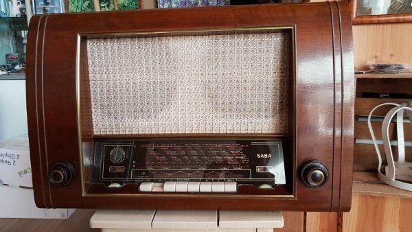Saba Freiburg III 3 Röhrenradio