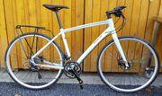 Fuji Bikes 2017 Silhouette 1