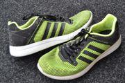 Verkaufe adidas Sportschuhe für Herren