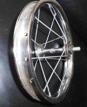 kleines altes Speichenrad von RENAK