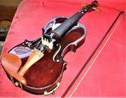 Geige und Koffer