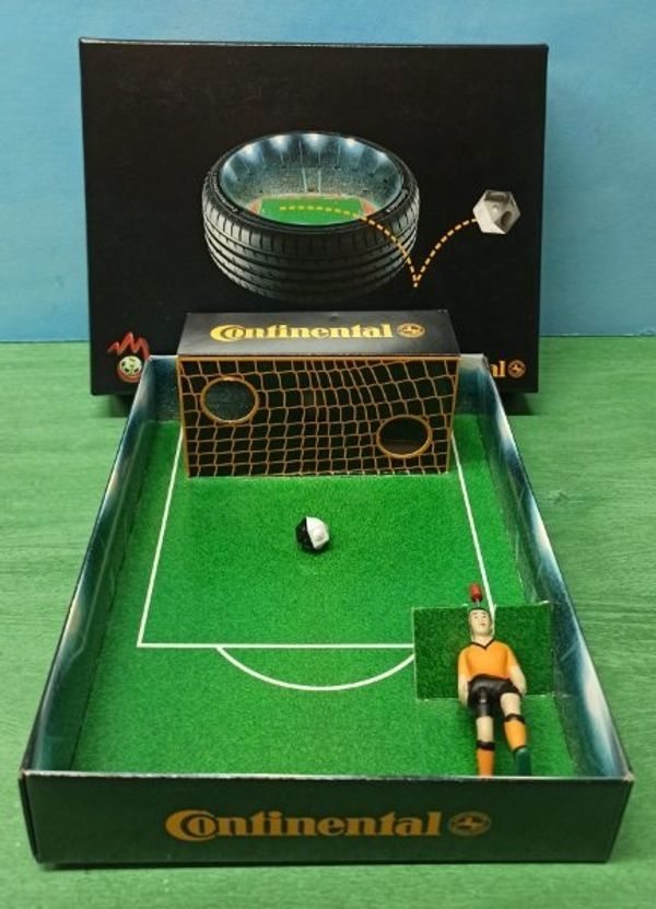 Continental Tipp-Kick Torwand-Spiel Fußball UEFA