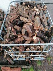 Brennholz Rebknorzen Rebstöcke
