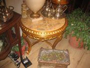 Couchtisch mit Blattgoldauflage in Creme-Gold