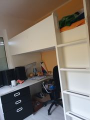 Komplettes Kinderhochbett mit Schreibtisch