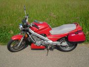 Honda NTV 650 Revère RC33