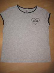 Shirt grau schwarzes Herz Smile