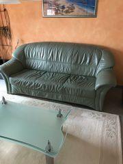 Gut erhaltene Couch Garnitur zu