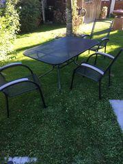 Sitzgarnitur für den Garten mit