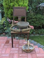 HERBST DEKORATION Stuhl mit Blumentopf