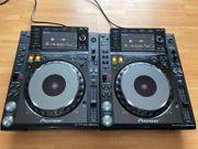 2x Pioneer CDJ 2000 Nexus