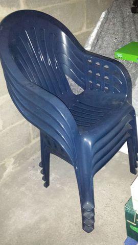 Plastikstühle: Kleinanzeigen aus Frankfurt - Rubrik Sonstiges für den Garten, Balkon, Terrasse