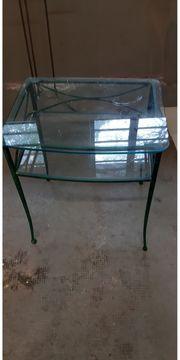 Glas-Tisch