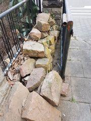 Buntsandsteine Trockenmauer Beeteinfassung Teichumrandung