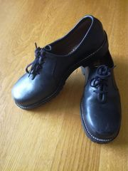 Schuhe mit Stahlkappe