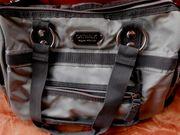 Coole Damenhandtasche Catwalk in Silbergrau